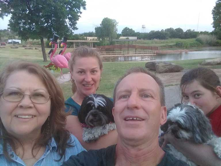 Paul, Amanda, Amanda's mom, and Hailey